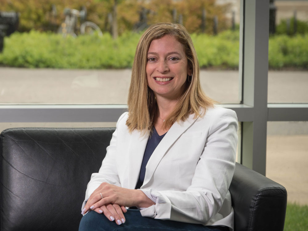 Headshot of Medill faculty member Kelly Cutler